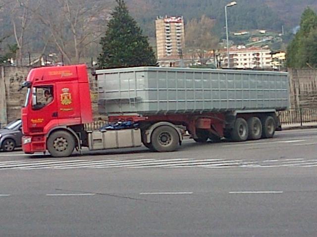 20140109 Camion saliendo de la Vega
