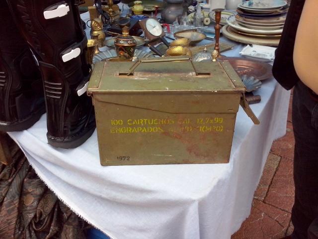20140302 Foto material militar rastro Oviedo - 04