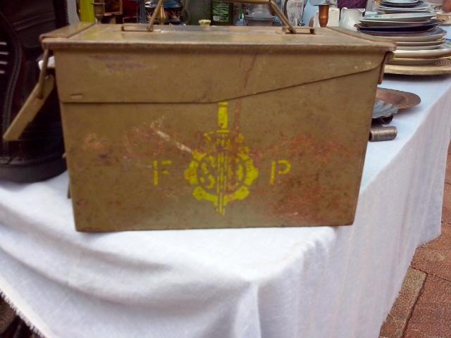 20140302 Foto material militar rastro Oviedo - 05