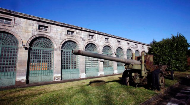 20140428 Asturias24 - Fabrica armas