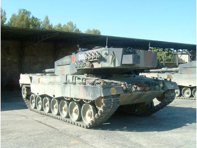 30783581-Ejercitos-Del-Mundo-05 - Historia Leopard_08