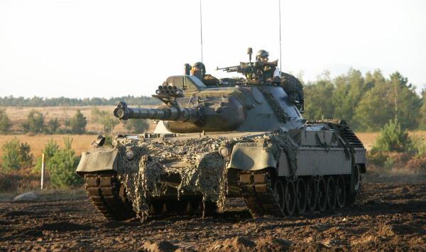 30783581-Ejercitos-Del-Mundo-05 - Historia Leopard_10