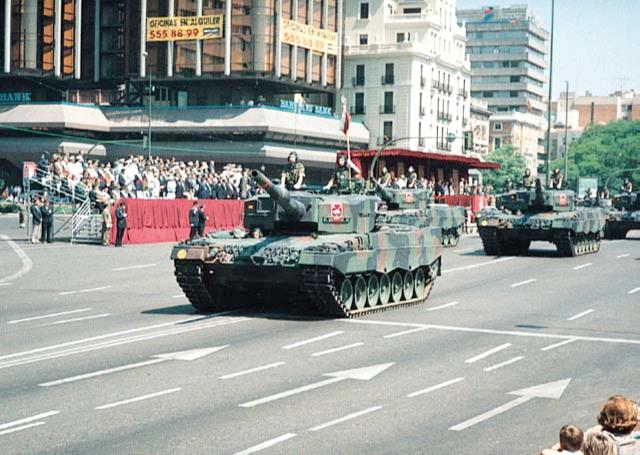 34453351-Ejercitos-del-mundo-06 - Historia Leopard_16