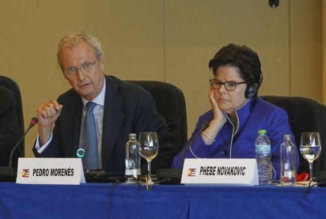 20141119 Infodefensa - Pedro Morenes y Phebe Novakovic