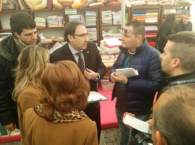20150307 Diario Palentino Trabajadores Nammo con el alcalde