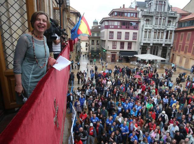 20150613 Ayto Oviedo - vista de la plaza