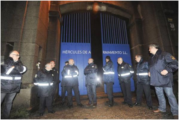 20151125 La Opinion A Coruña - Sin vigilancia.PNG