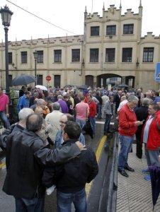 PROTESTA TRABAJADORES FABRICA DE ARMAS TRUBIA OVIEDO MARIO ROJAS 10-06-15