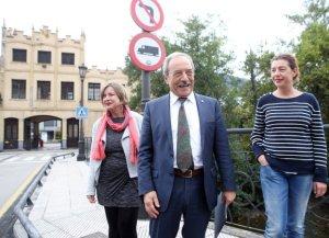 visita del alcalde wenceslao lopez taboada y cristina pontion a la fabrica de armas oviedo 22 09 16 foto alex piña