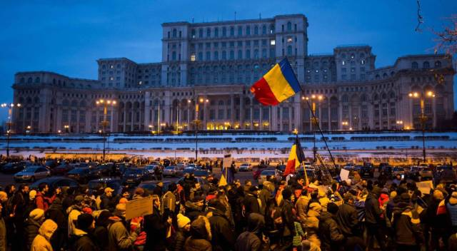 20170204-el-pais-rumania-retira-decreto
